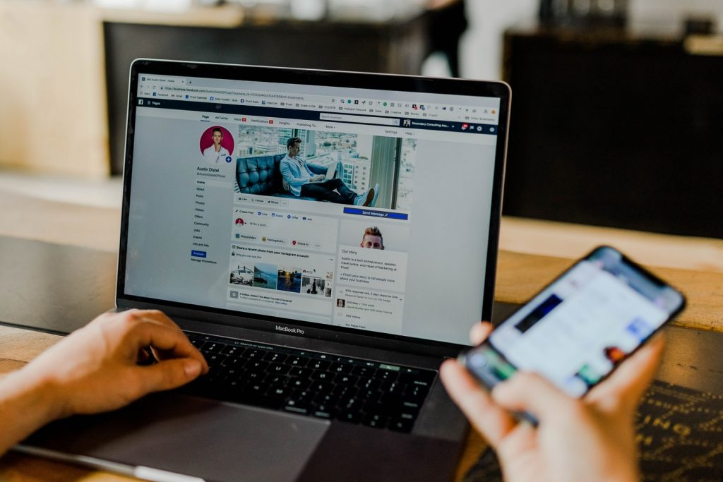 facebook модерирует рекламные кампании
